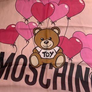 Moschino silk large scarf SOOO CUTE❤️❤️❤️❤️
